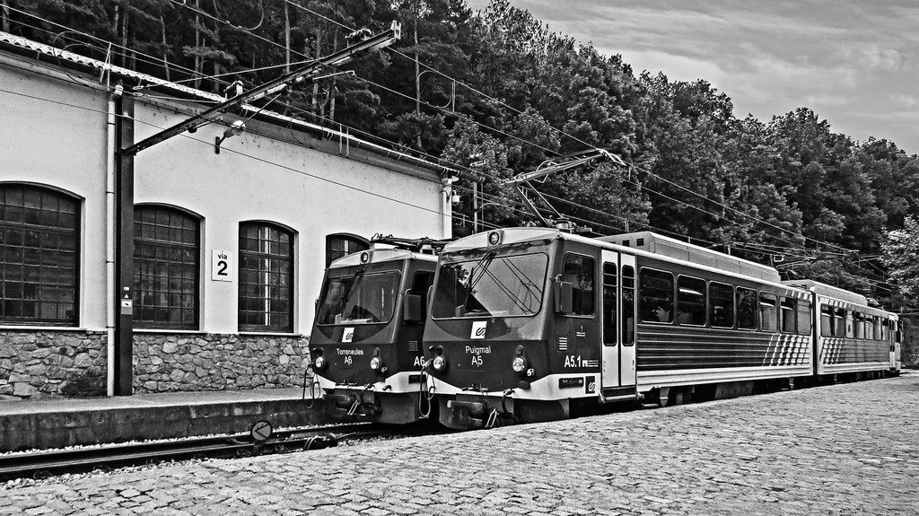 train-station-Reach Spain from India by Railways