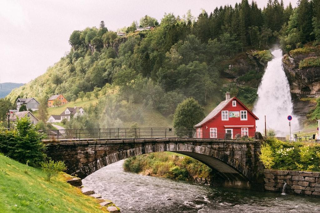 Steinsdalsfossen, Norheimsund, Noruega