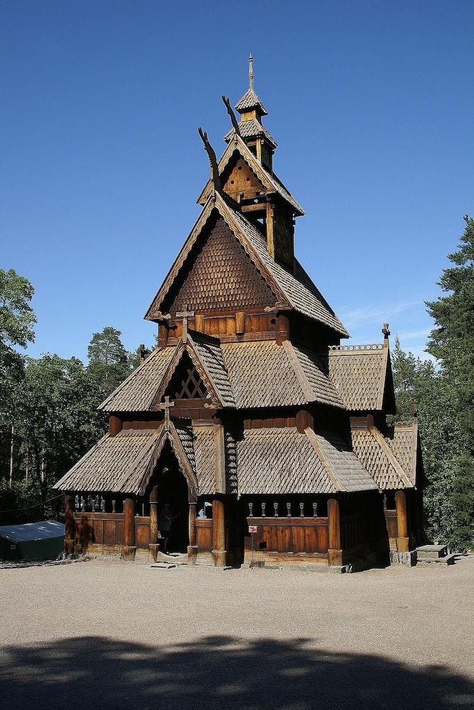 Iglesia de madera de Fantoft, las mejores actividades en Bergen, Noruega